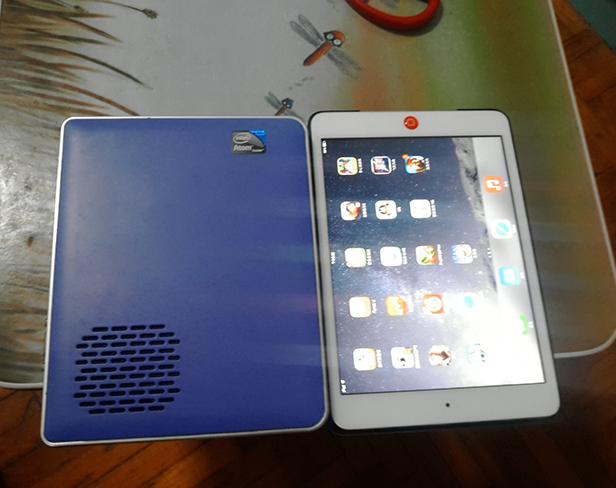 杰拓I33和ipadmini2的尺寸对比